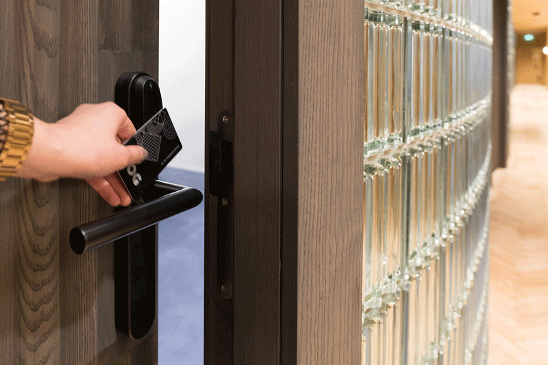 Meeting-room-access-control-