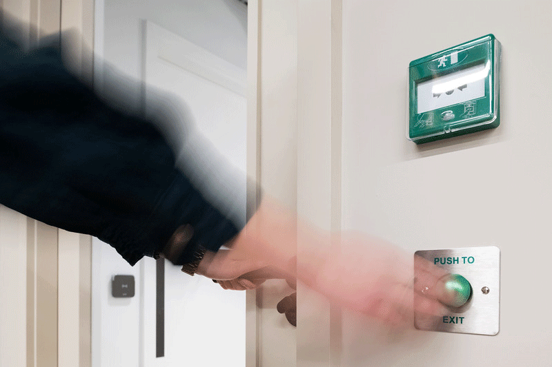 Push-to-exit-and-break-glass-